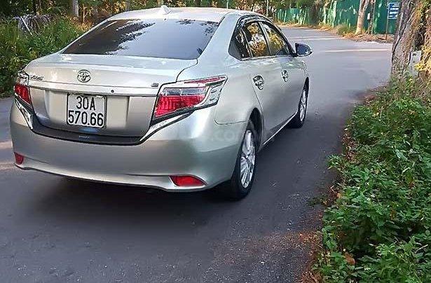 Cần bán xe Toyota Vios đời 2015, màu bạc, giá 420tr1
