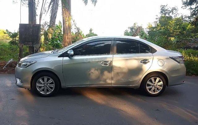 Cần bán xe Toyota Vios đời 2015, màu bạc, giá 420tr0