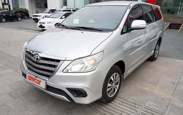 Cần bán lại xe Toyota Innova đời 2015, màu bạc chính chủ, 533tr0