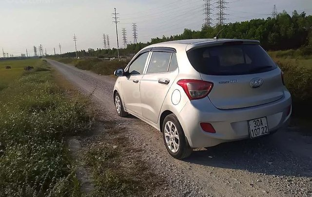 Cần bán gấp Hyundai Grand i10 1.0 MT đời 2014, màu bạc, nhập khẩu nguyên chiếc số sàn1