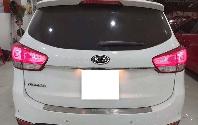 Bán xe Kia Rondo đời 2016, màu trắng số tự động, giá chỉ 535 triệu1