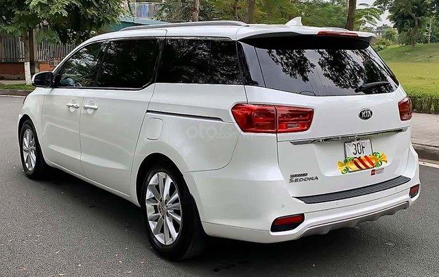 Bán ô tô Kia Sedona 3.3 GAT Premium sản xuất 2019, màu trắng2