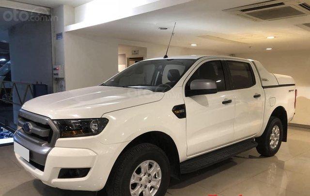Bán ô tô Ford Ranger XLS AT 2017 trắng, nhập khẩu nguyên chiếc, giá 720tr0