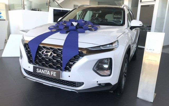 Cần bán xe Hyundai Santa Fe năm sản xuất 2019, màu trắng, giao xe toàn quốc1