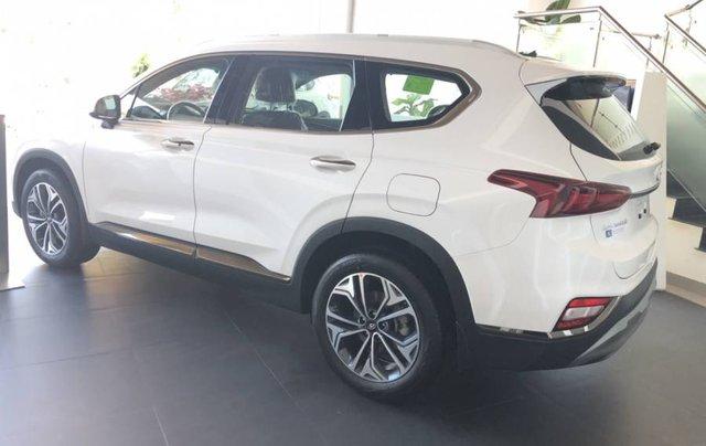 Cần bán xe Hyundai Santa Fe năm sản xuất 2019, màu trắng, giao xe toàn quốc3