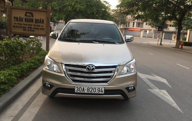 Chính chủ tôi cần bán chiếc Toyota Innova 2.0E 2015 xố sàn màu cát vàng chính chủ tên tôi lh 09886297350
