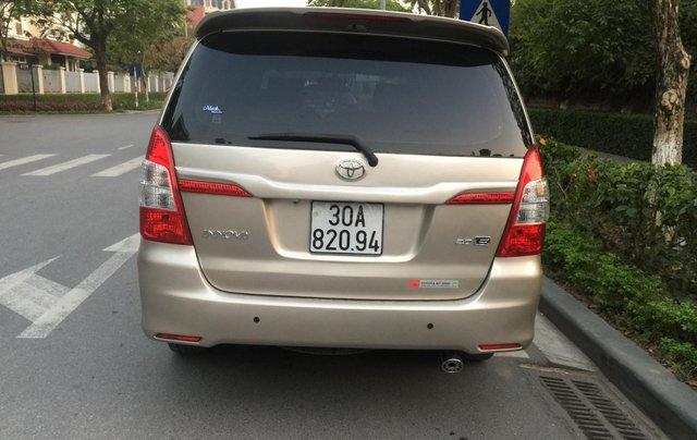 Chính chủ tôi cần bán chiếc Toyota Innova 2.0E 2015 xố sàn màu cát vàng chính chủ tên tôi lh 09886297353