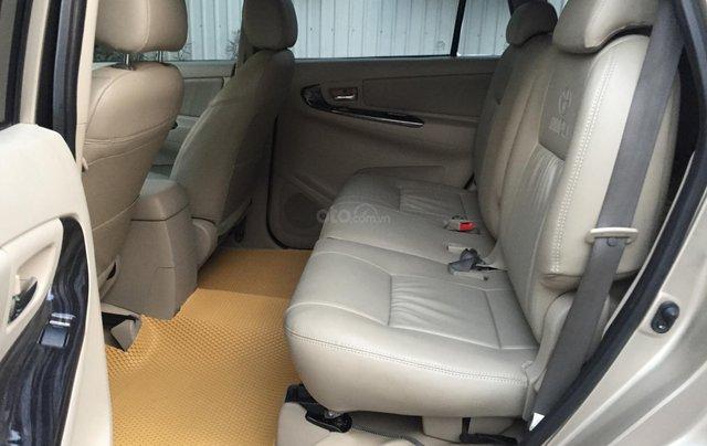 Chính chủ tôi cần bán chiếc Toyota Innova 2.0E 2015 xố sàn màu cát vàng chính chủ tên tôi lh 09886297356