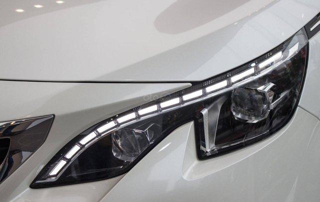 Peugeot 5008 trắng ngọc trai 2019 – ưu đãi cao nhất trong năm1
