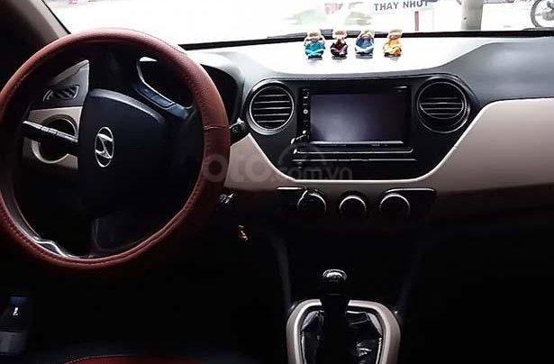 Cần bán Hyundai Grand i10 1.0 MT Base sản xuất năm 2014, màu trắng, nhập khẩu 1