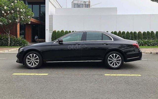 Bán Mercedes E200 năm sản xuất 2018, màu đen, chính chủ0