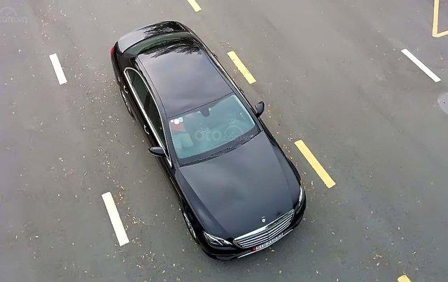 Bán Mercedes E200 năm sản xuất 2018, màu đen, chính chủ1