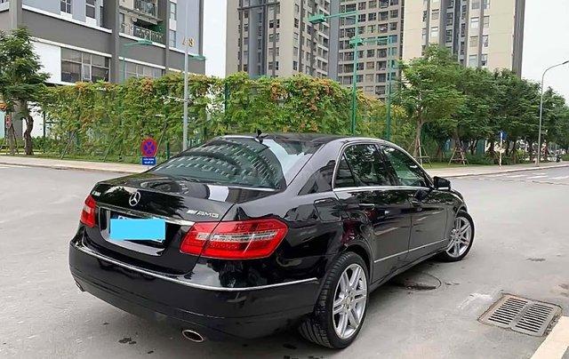 Cần bán xe Mercedes 2011, màu đen chính chủ1