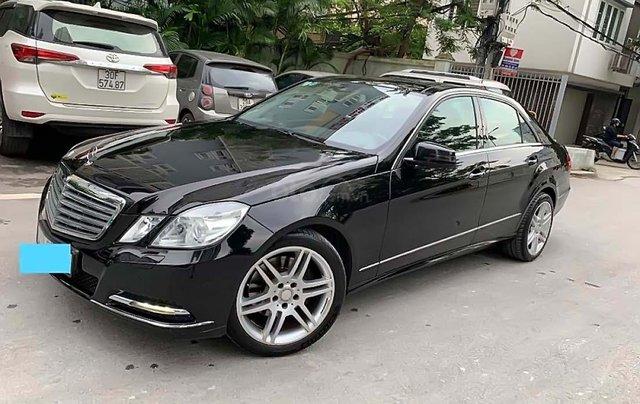 Cần bán xe Mercedes 2011, màu đen chính chủ0