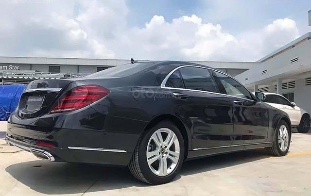 Bán Mercedes S450L năm sản xuất 2017, màu đen, xe còn mới1