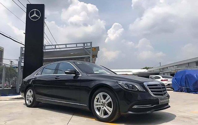Bán Mercedes S450L năm sản xuất 2017, màu đen, xe còn mới0