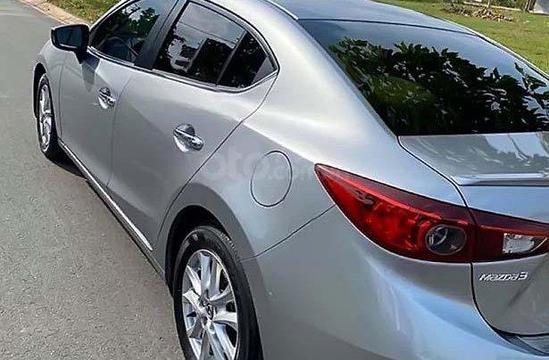 Bán Mazda 3 1.5 AT sản xuất năm 2016, màu bạc, xe gia đình 1