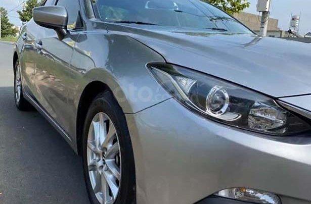 Bán Mazda 3 1.5 AT sản xuất năm 2016, màu bạc, xe gia đình 0
