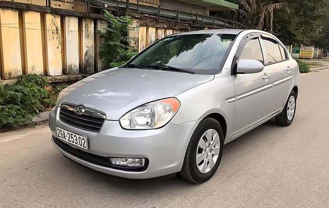 Bán Hyundai Verna 1.4 MT đời 2009, màu bạc, chính chủ0