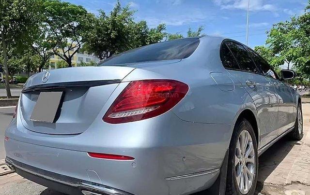 Bán lại xe Mercedes E200 năm 2017, màu xanh lam như mới1