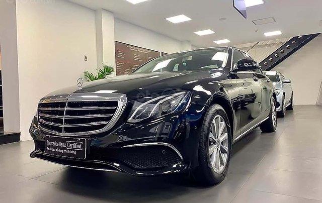 Bán Mercedes đời 2018, màu đen, giá tốt0