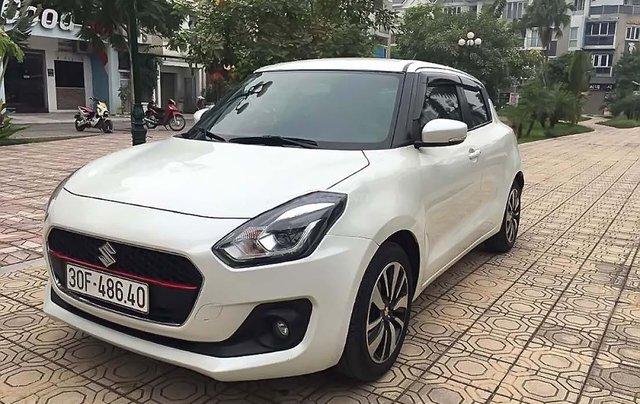 Cần bán xe Suzuki Swift sản xuất năm 2018, màu trắng, nhập khẩu nguyên chiếc0