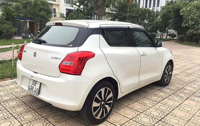 Cần bán xe Suzuki Swift sản xuất năm 2018, màu trắng, nhập khẩu nguyên chiếc1