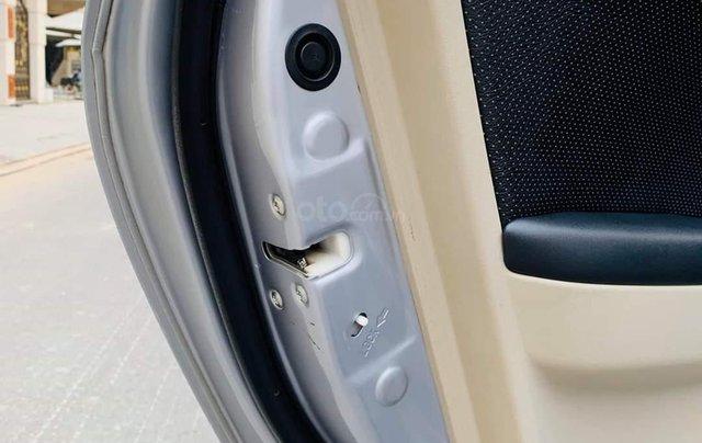 Bán ô tô Mitsubishi Grandis, năm sản xuất 2009, màu bạc18
