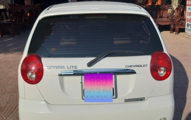 Xe Chevrolet Spark đời 2015, màu trắng5