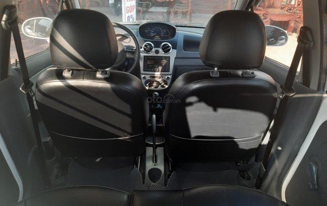 Xe Chevrolet Spark đời 2015, màu trắng10