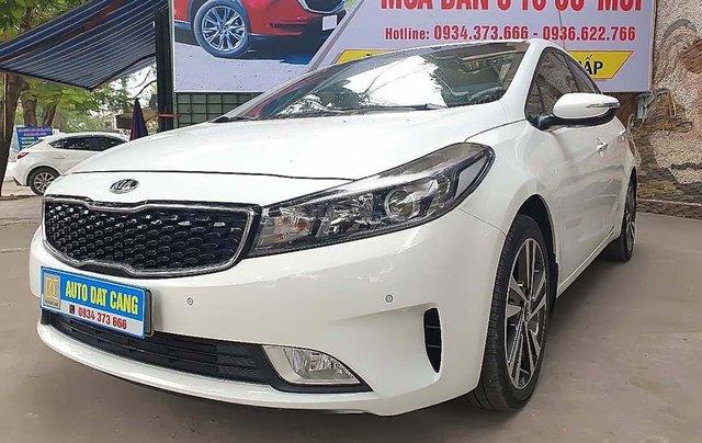 Cần bán Kia Cerato 1.6 AT sản xuất 2018, màu trắng, giá 593tr0