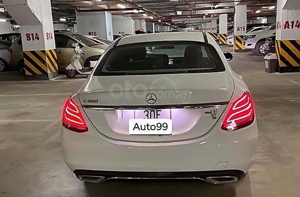 Cần bán Mercedes C200 sản xuất năm 2018, màu trắng, xe nhập1