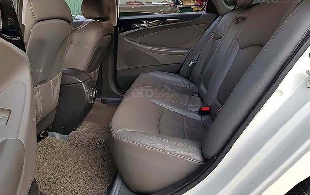 Bán ô tô Hyundai Sonata 2.0 AT sản xuất năm 2012, màu trắng, nhập khẩu nguyên chiếc chính chủ2