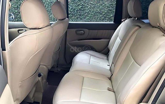 Cần bán Nissan Grand livina 1.8 AT 2011, màu xám, xe gia đình 2