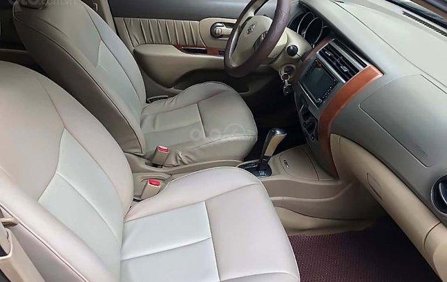Cần bán Nissan Grand livina 1.8 AT 2011, màu xám, xe gia đình 3