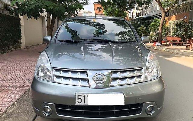 Cần bán Nissan Grand livina 1.8 AT 2011, màu xám, xe gia đình 4