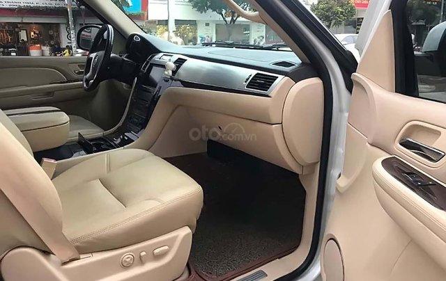 Bán Cadillac Escalade 6.2 V8 sản xuất năm 2007, màu trắng, xe nhập 3