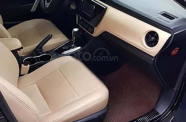 Bán xe cũ Toyota Corolla sản xuất năm 2018, màu đen2