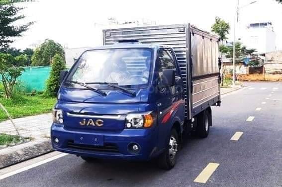 Xe tải JAC X99 máy dầu thùng kín cánh dơi2