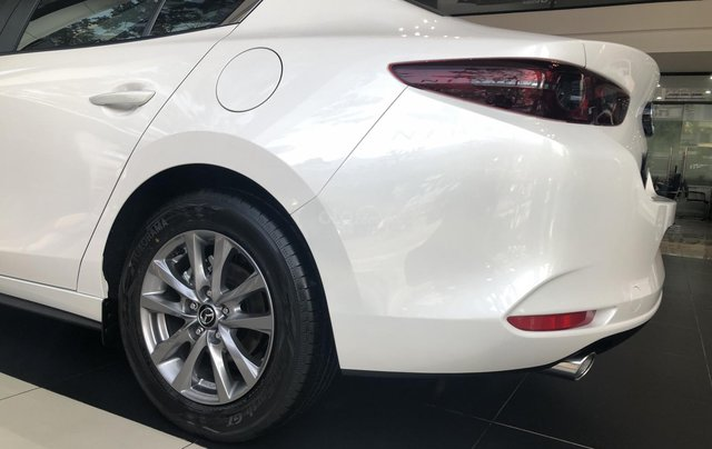 Bán Mazda 3 1.5L Deluxe 2020, chỉ 170tr nhận xe chạy ngay, khuyến mại cực sốc, LH ngay 0979289229 để ép giá tốt hơn9