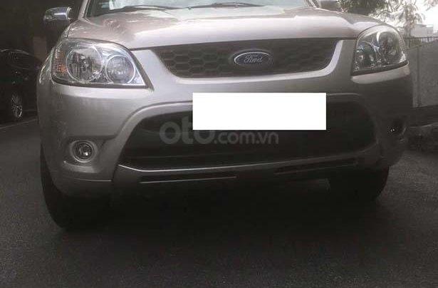 Cần bán lại xe Ford Escape 2012, giá 445tr xe máy chạy êm0