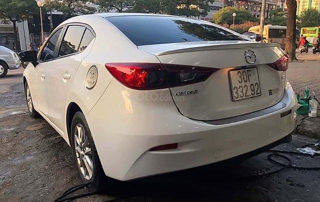 Bán Mazda 3 1.5 AT năm sản xuất 2017, màu trắng, 585tr1