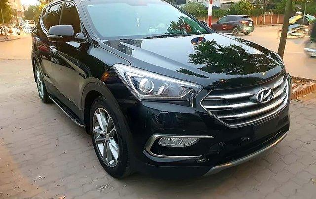 Cần bán Hyundai Santa Fe 2.4L 4WD, năm 2017, màu đen chính chủ, giá 955tr0