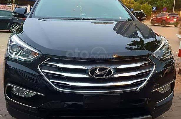 Cần bán Hyundai Santa Fe 2.4L 4WD, năm 2017, màu đen chính chủ, giá 955tr2