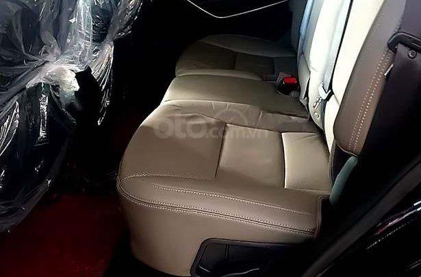 Cần bán Hyundai Santa Fe 2.4L 4WD, năm 2017, màu đen chính chủ, giá 955tr4