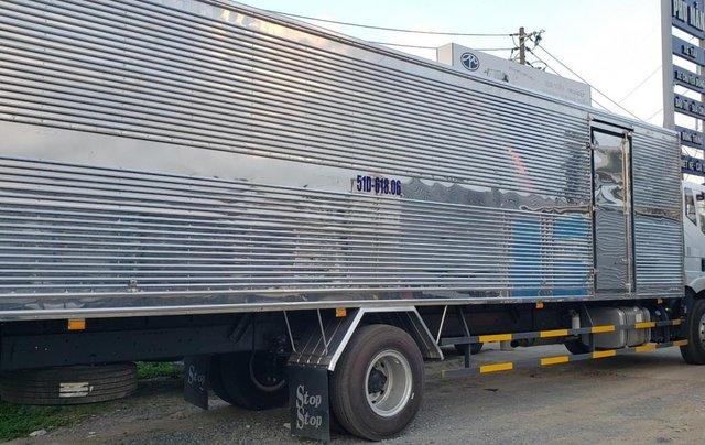 Công ty xả hàng siêu giảm giá, xe tải FAW chở linh kiện điện tử cao 2m6 dài 9m7, giá không thể tốt hơn3