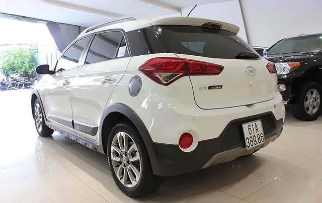 Cần bán gấp Hyundai i20 Active năm sản xuất 2017, màu trắng, nhập khẩu1