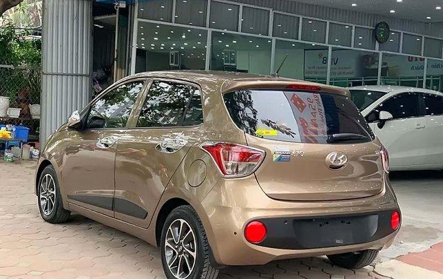 Cần bán Hyundai Grand i10 1.2 AT sản xuất 2018, màu nâu, số tự động 1