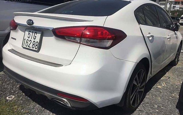 Bán Kia Cerato 1.6 MT 2018, màu trắng, giá 390tr4