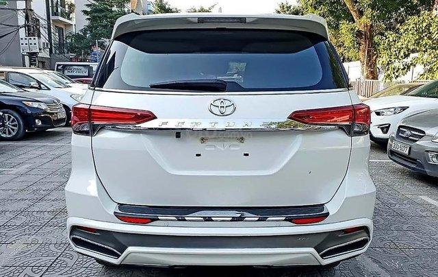 Cần bán xe Toyota Fortuner đời 2018, màu trắng, nhập khẩu  2